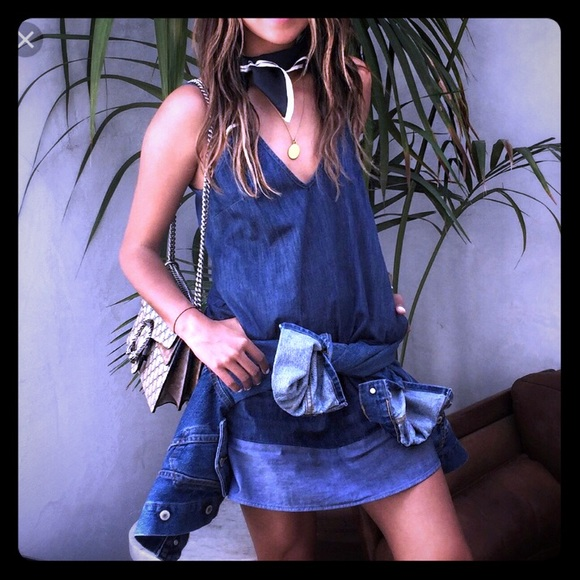 6ade10d4d4e Sincerely Jules Denim Dress. M 5a80dc155521be7aff8ee92e